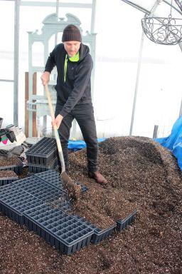 shovelingtrays